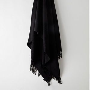 Wilfred Classic Black Wool Scarf